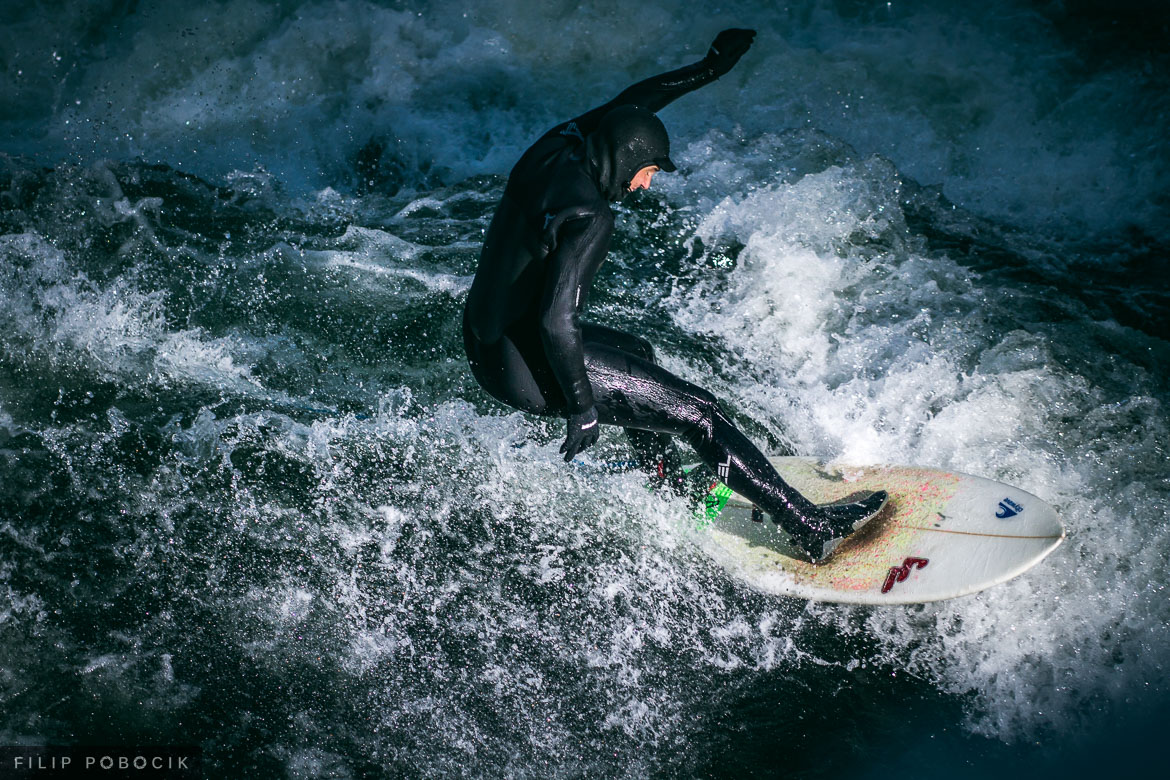 Eisbach surfing session